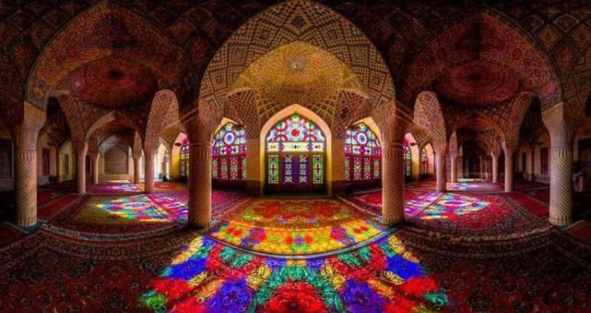 مسجد نصیر الملک یا مسجد صورتی از جاذبه های گردشگری شیراز